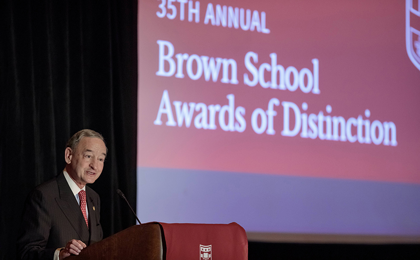 Chancellor Wrighton speaks at the Awards of Distinction