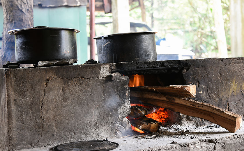 Cook stoves on an outside wood fire
